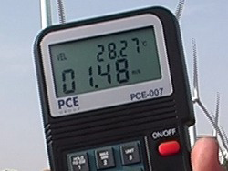 view of the PCE-007 air flow meter display
