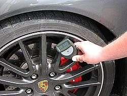 PCE-CT 28 (F/N) coating thickness meter / gauge: measuring the
