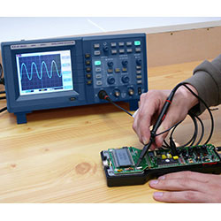 Measuring frequency with the Digital Oscilloscope PCE-UT 2082C