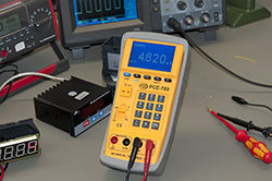 Image of application of the Multifunction Calibrator - PCE 789.